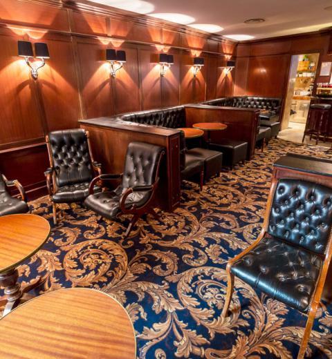 Hotel d'Irlande 3 étoiles Lourdes le salon anglais